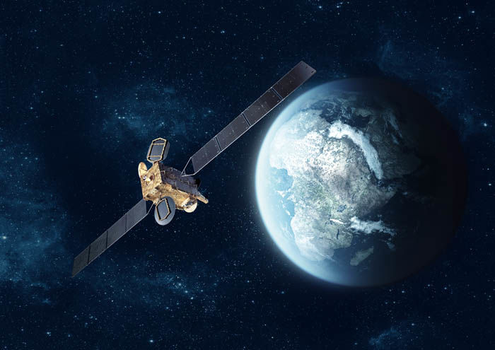 eutelsat_satellite_and_earth