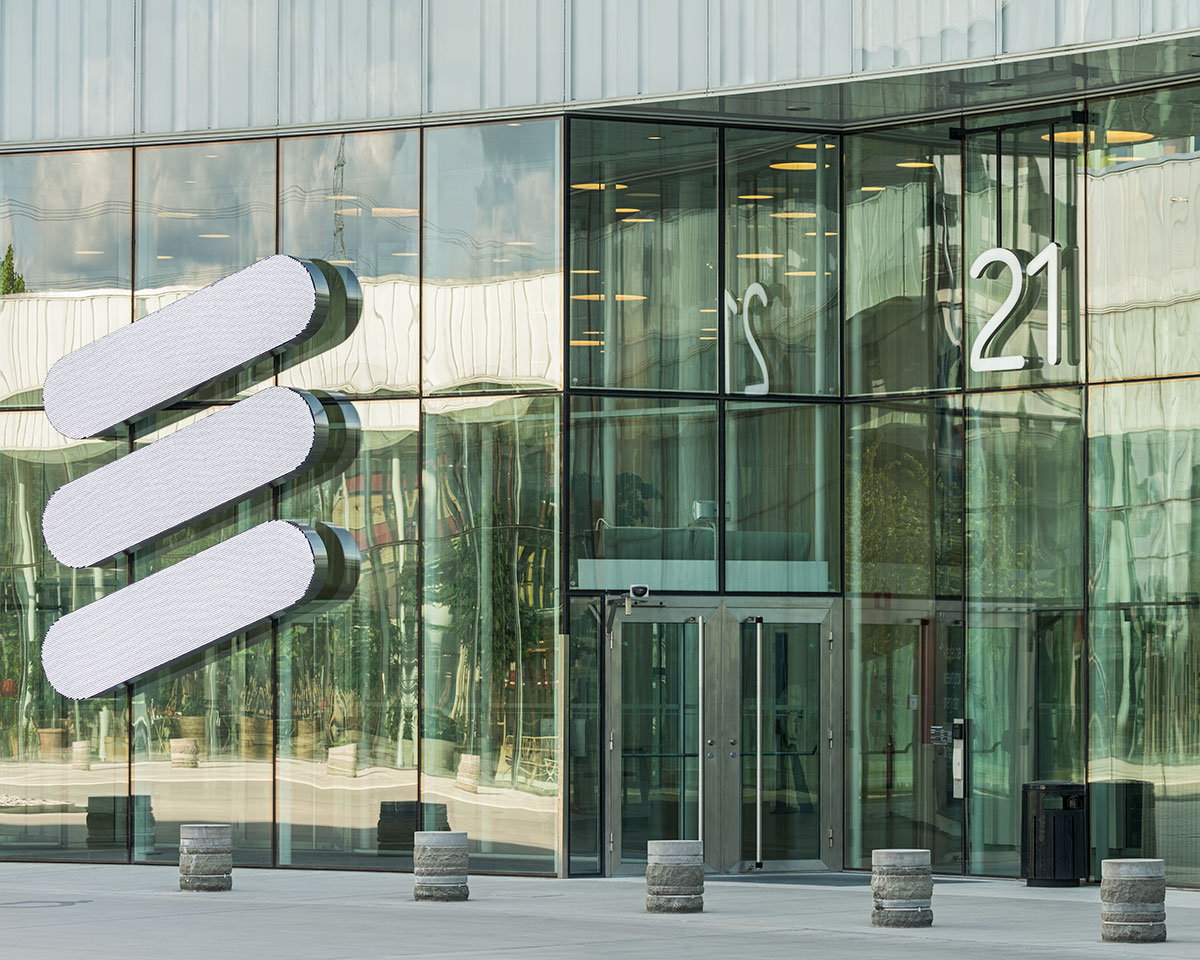Ericsson posts bigger than expected quarterly loss